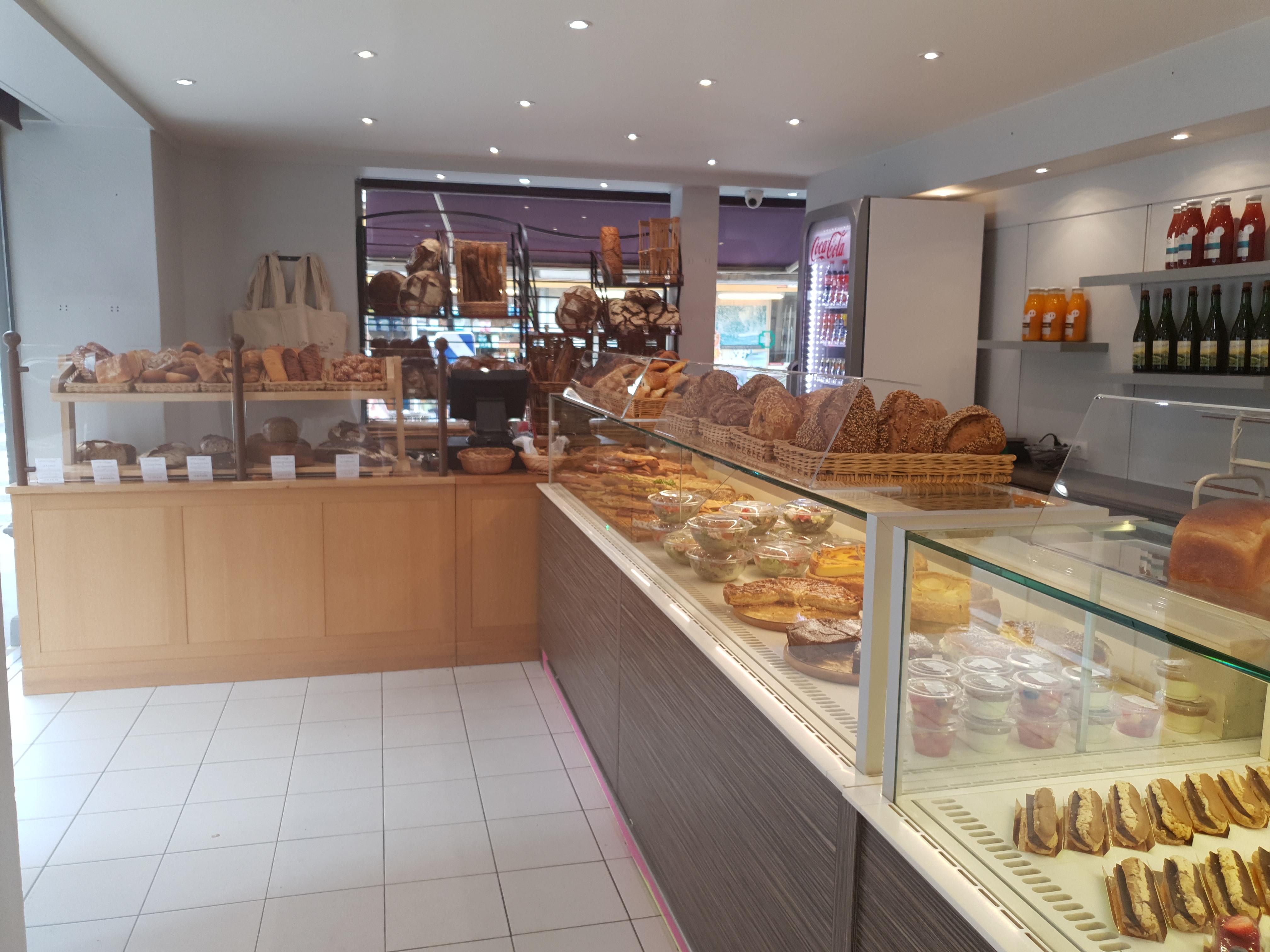 Ouverture d'une boutique à la porte d'Orléans